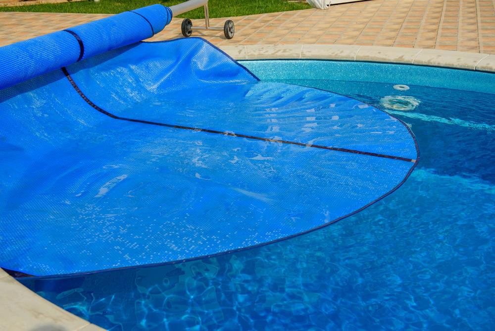 Cómo elegir la cubierta adecuada para una piscina