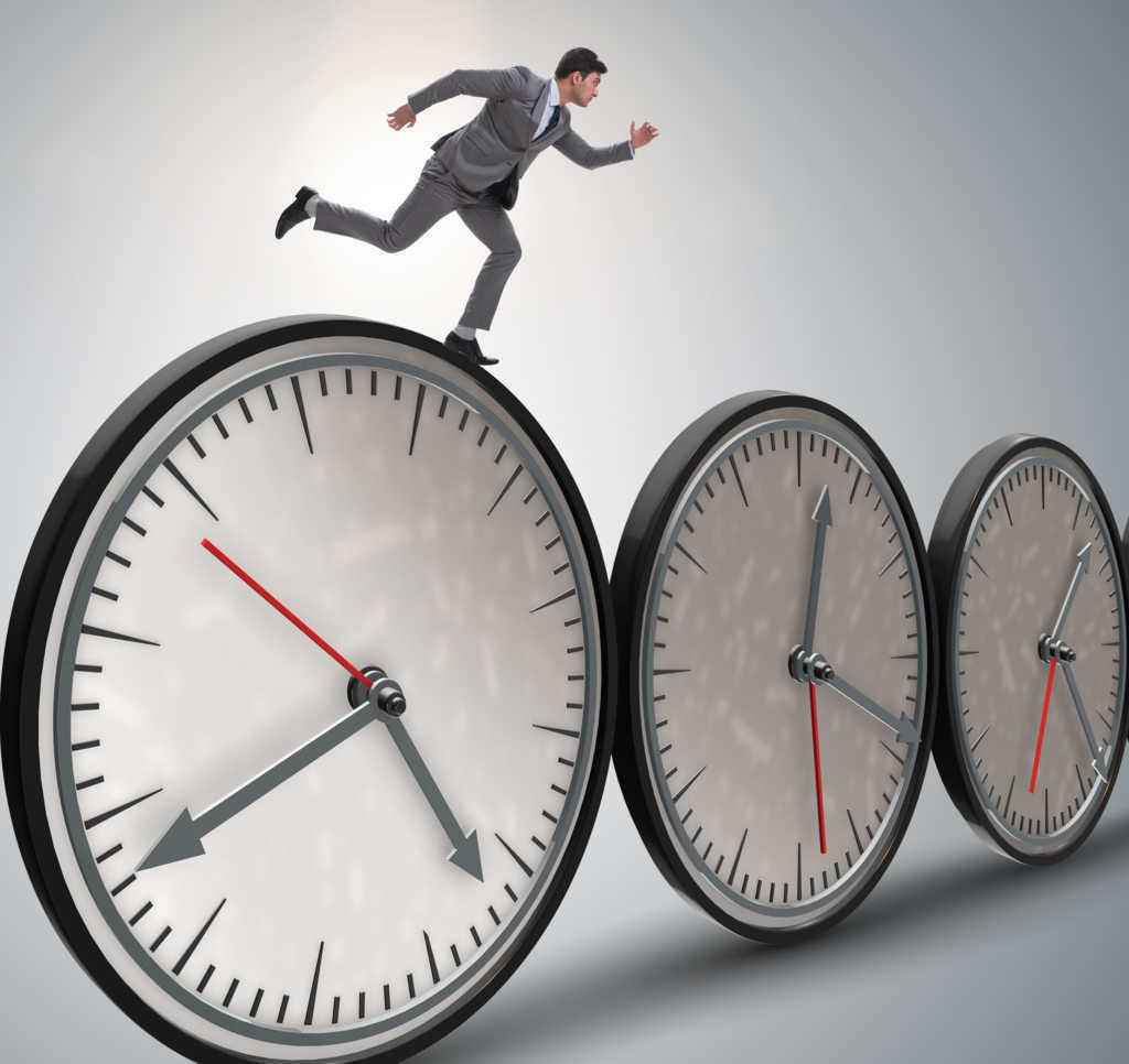 Los empresarios siguen dando vueltas al tema del registro de la jornada laboral
